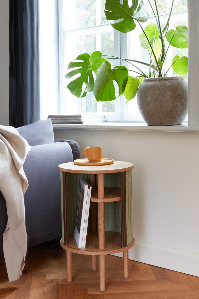 UMAGE_lifestyle_Audacious_table_spring green_low res