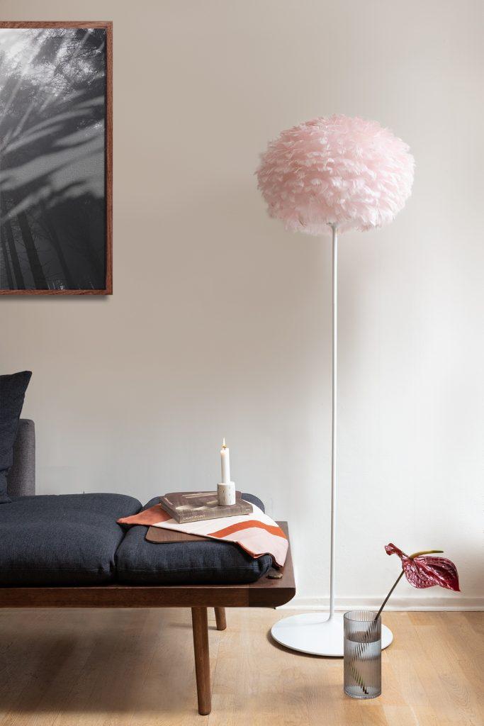 Lampa Eos Medium Light Rose w wersji podłogowej