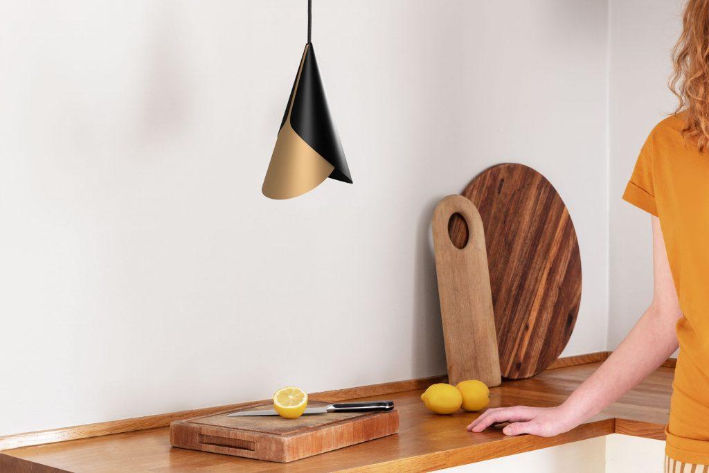 Lampa Cornet, Umage